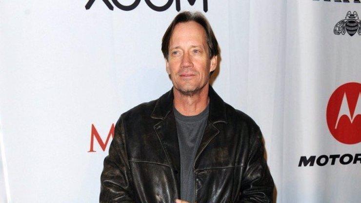 Kevin Sorbo prodělal během natáčení Herkula několik mrtviček. Který slavný muž ho chtěl dostat do postele?