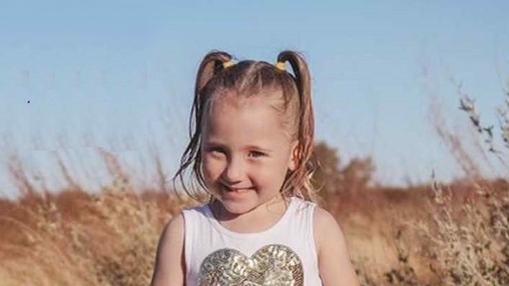 """Záhadné zmizení """"australské Maddie"""":  Dívka (4) večer usínala ve stanu, ráno byla i se spacákem pryč!"""