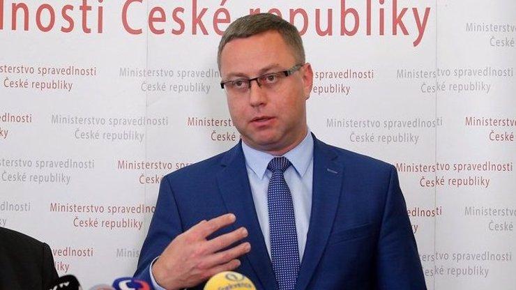 Nejvyšší státní zástupce Pavel Zeman rezignoval:  Dohnala ho k tomu Benešová