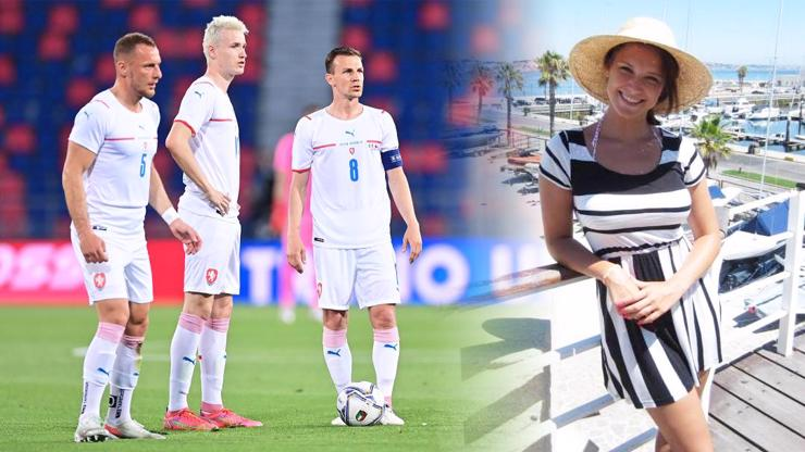 EURO 2021: Na fotbalové reprezentanty dohlíží tahle půvabná brunetka