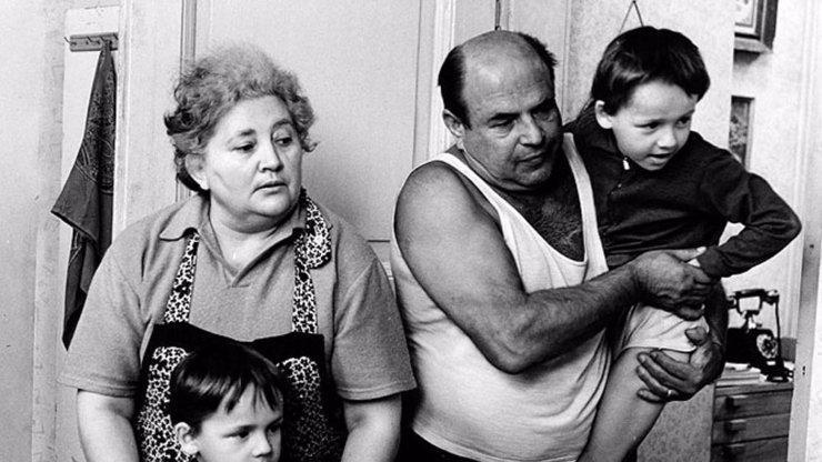 Smutný osud Marie Motlové: Babi Homolková kvůli vzhledu propadla alkoholu