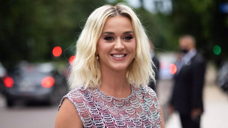 Katy Perry slaví 37: Ukázala božské nohy, všem vyrazila dech