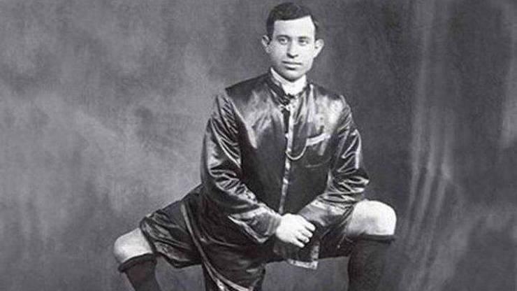 Tři nohy a dva pohlavní údy: Po Frankovi zatoužila i prostitutka se dvěma vagínami