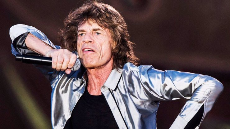 Nezkrotný Mick Jagger střídá ženy jako ponožky. S bývalou milenkou má čtyři děti, teď randí s mladou baletkou