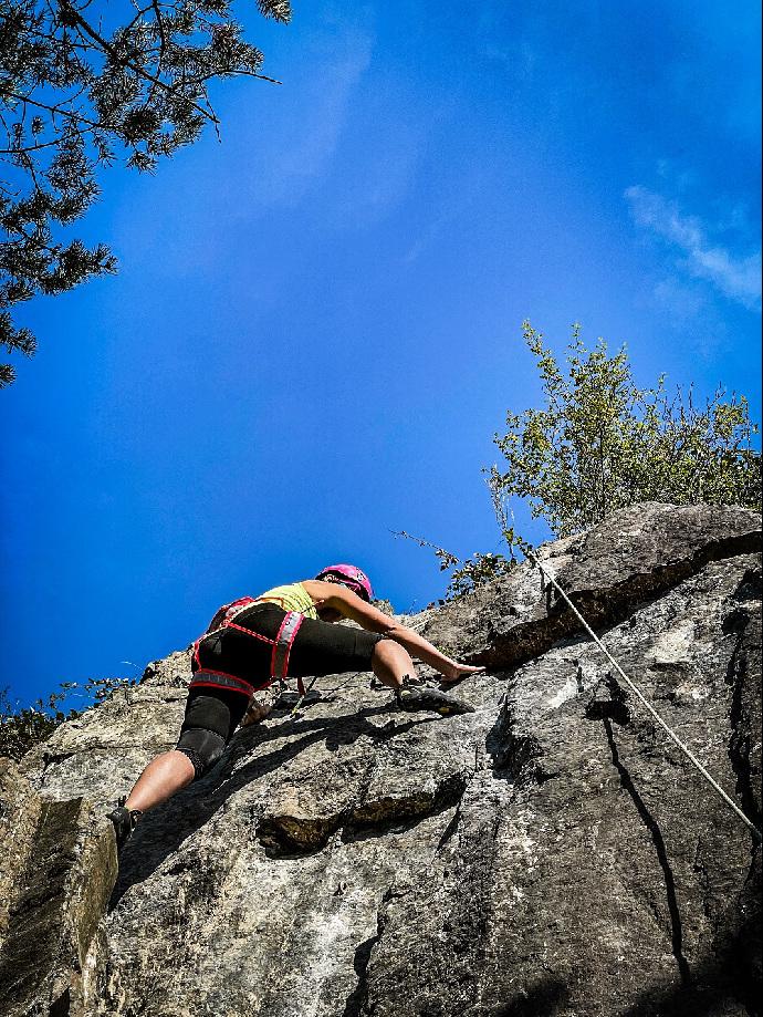 Potápění, střelnice i lezení po skalách. Drsná výzva pražských lídrů SPOLU