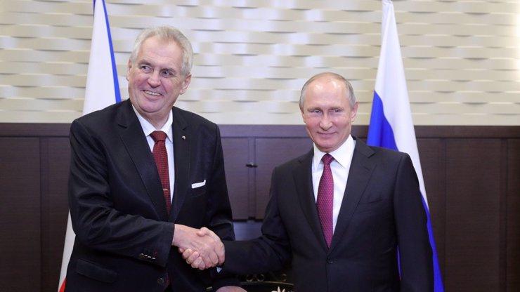 Bývalý diplomat Žantovský k Vrběticím: Ať už Zeman řekne cokoliv, už je pozdě
