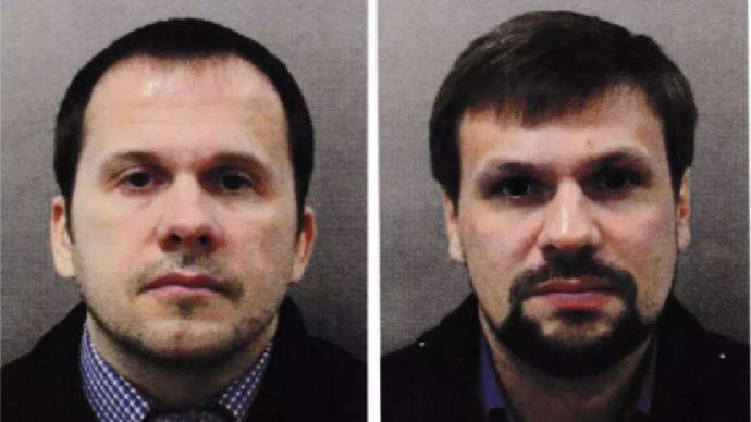 Zmožená tvář a strniště: Ruští špioni dávají Hamáčkovi zabrat