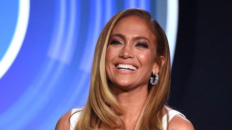 Jennifer Lopez v 52 letech září štěstím: Po třech rozvodech už zase našla toho pravého