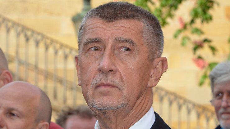 Babiš vyzval Mynáře k rezignaci: Pokud tak neučiní, vyhodím ho sám, říká premiér