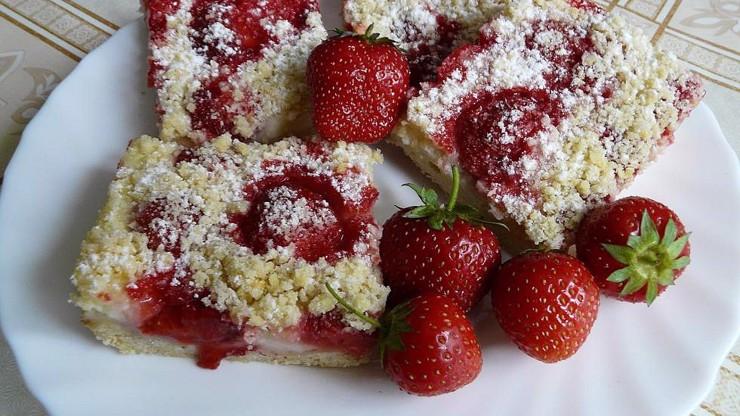 5 oblíbených jahodových receptů: Knedlíky i panna cotta. Jsou chutné téměř ve všem!