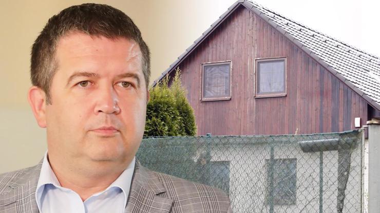 Bude Jan Hamáček řídit vnitro z chalupy? Ministr přišel o byt, zbylo mu bydlení na vesnici