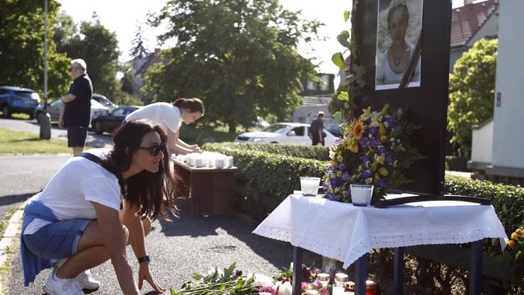 Pieta za Popelku: Lidé přišli na Spořilov zavzpomínat na Libuši Šafránkovou