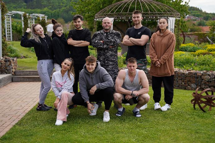 Drama Like House: Kdo opustí vilu?