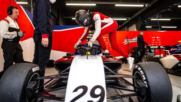 Charouz Racing System pojede F3 s hvězdnou sestavou:  Fittipaldi, Sargeant a De Gerus
