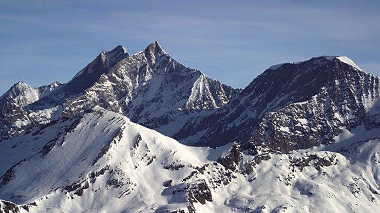 Tragédie ve Švýcarsku: Čeští horolezci spadli z několika set metrů a zemřeli