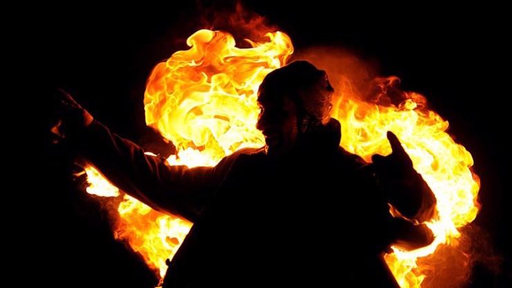 Živá pochodeň v Plzni: Z toalet v obchodním centru vyběhl hořící muž