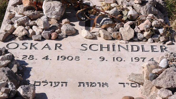 Život Oskara Schindlera: Milovník žen, který zachránil stovky Židů a vznikl o něm slavný film