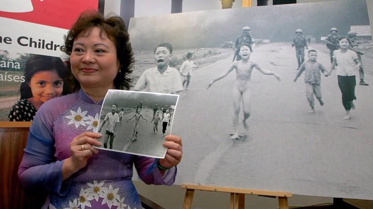 Hrůza z války ve Vietnamu: Našli plačící dívku z ikonické fotografie, takhle dnes vypadá