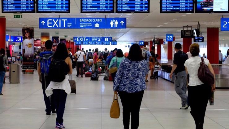 Skandál na letišti: Češi se vrátili z Tunisu se zfalšovanými testy, vůbec na ně nešli
