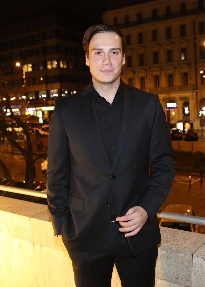 Moderátor Petr Suchoň se stal otcem: S krásnou Klárou přivítali na svět syna
