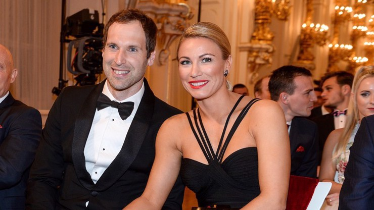 Půvabná manželka legendárního gólmana Petra Čecha: V Anglii si splnila sen