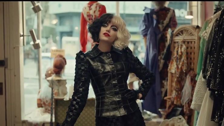 První reakce k filmu Cruella: Emma Stone je skvělá záporačka a dechberoucí Londýn zpět v čase