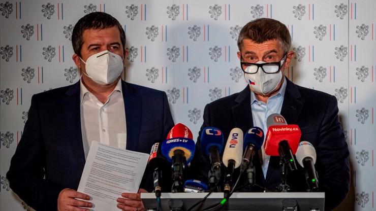 Může za oběti covidu vláda, opozice, nebo my sami? I to ovlivní volby, píší čtenáři eXtra.cz