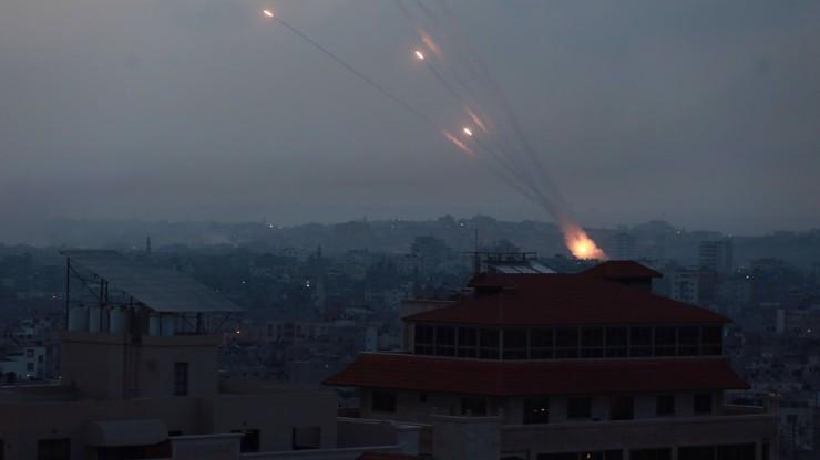 Video hrůzy živě: Český zpravodaj zaznamenal raketový útok v přímém přenosu