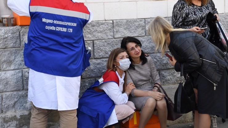 Děsivé detaily masakru ve škole: Děti skákaly z oken, vrahem je bývalý žák