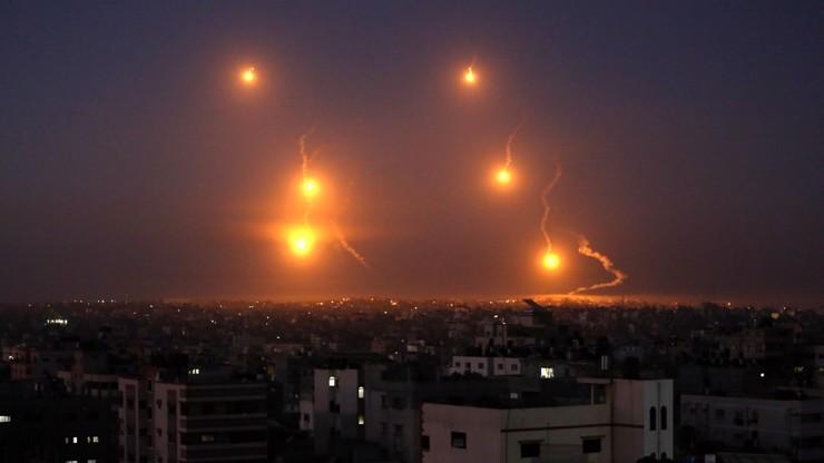Děsivá videa z války: Jak vypadá ničivé ostřelování Gazy a co za konfliktem stojí