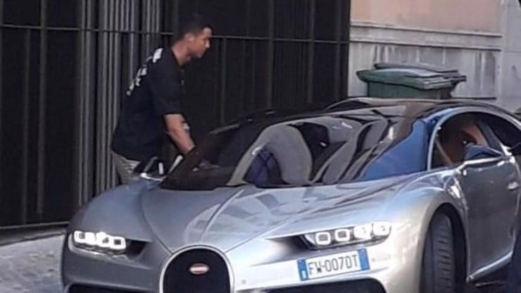 Fotbalová hvězda Cristiano Ronaldo štěstím jen září: Užívá si nejrychlejší auto světa