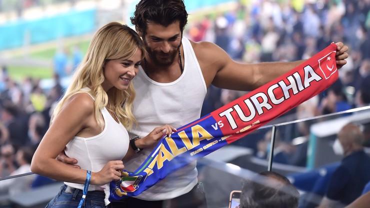 Nejkrásnější fotbalová moderátorka? Tuhle italskou krásku opečovává slavný turecký hřebec