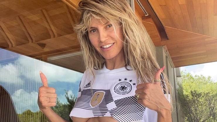 Heidi Klum jako nejžhavější německá fotbalová fanynka: Hráčům Eura posílá vzkaz