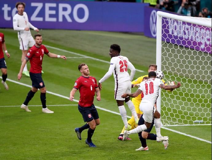 Čeští fotbaloví bohové: Legendy je oslavují, oranžové primadony neměly šanci