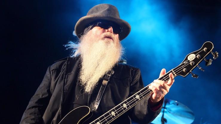 Vousatá legenda: Zemřel baskytarista hudební skupiny ZZ Top Dusty Hill (†72)