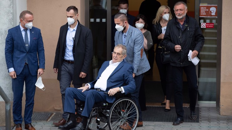 Zdravotní stav prezidenta: Tohle přesně řekla nemocnice o Zemanovi