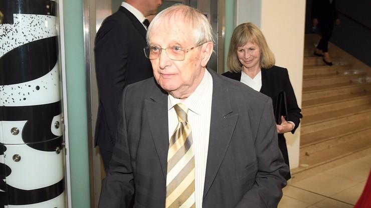 Herec a hudebník Jiří Suchý.