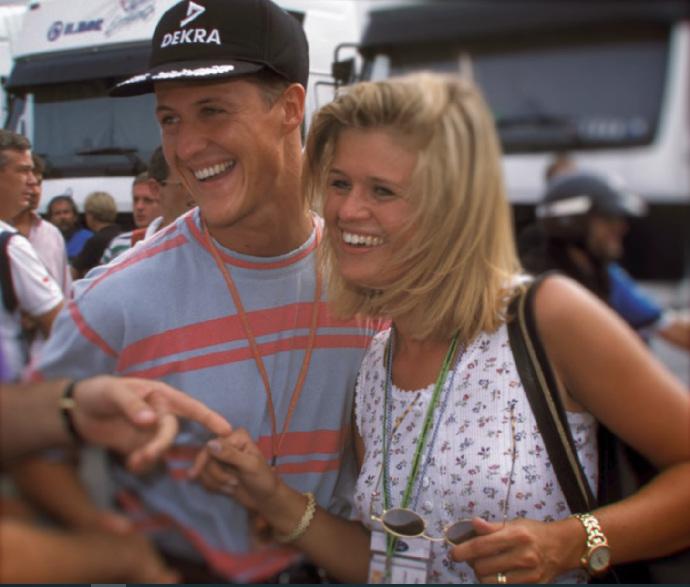 Michael Schumacher v novém dokumentu Netflixu: Uplakaná manželka se synem poprvé odhalili informace o závodníkově zdraví