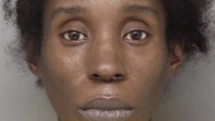Krkavčí matka zabila syna (19), jeho tělo nechala hnít v dětském pokoji