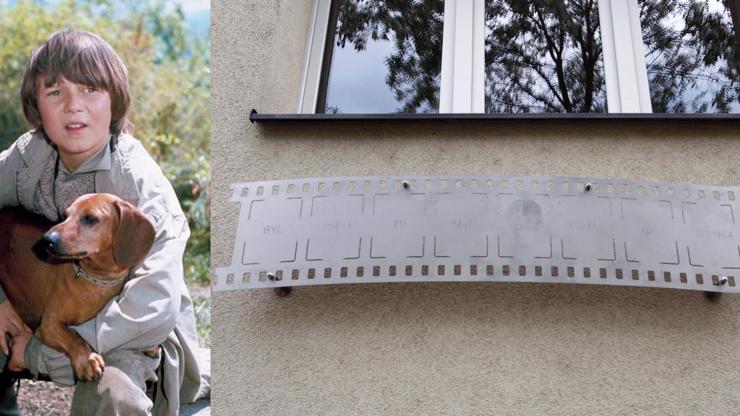 Tomáš Holý se dočkal pamětní desky: Tragicky zesnulému herci ji odhalili v Nuslích