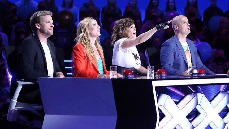 Porotce v Talentu šokoval hadí muž i artisti balancující nad smrtí!