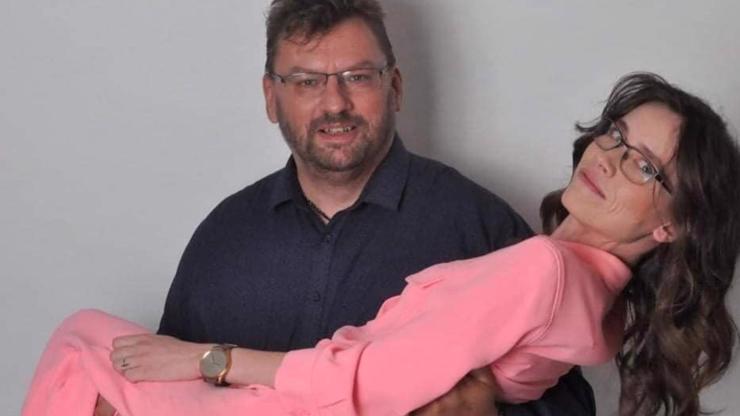 Můj hrdino: Snímek Lipovské v náručí Flákance Volného baví internet