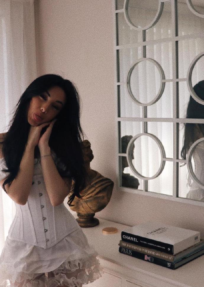 Dokonalá kopie Megan Fox: Seznamte se s teprve osmnáctiletou Kyrou