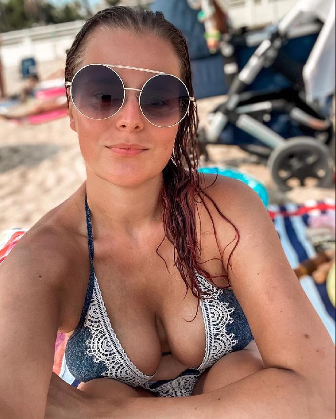 Tereza Ramba se poprvé pochlubila těhotenským bříškem. Foto uvnitř článku