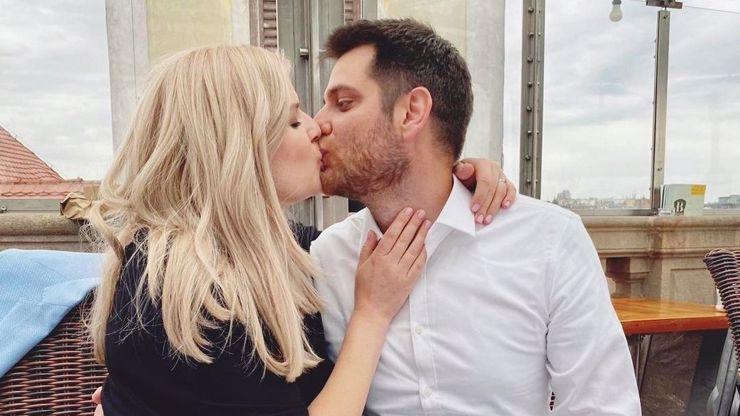 Nikol Leitgeb slaví 1. výměsíčí: Pochlubila se zamilovanou fotkou a sladkým mončičákem Tobiasem